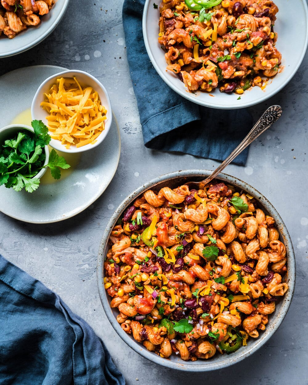 10 Easy Vegan Pasta recipes. one pot vegan chili mac.