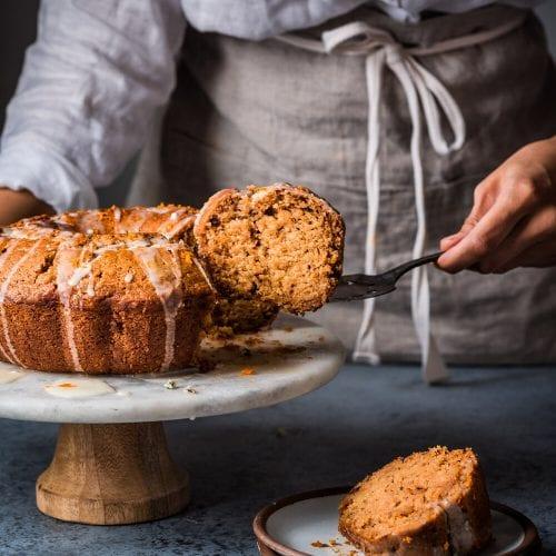 Vegan Apple Cinnamon Bundt Cake