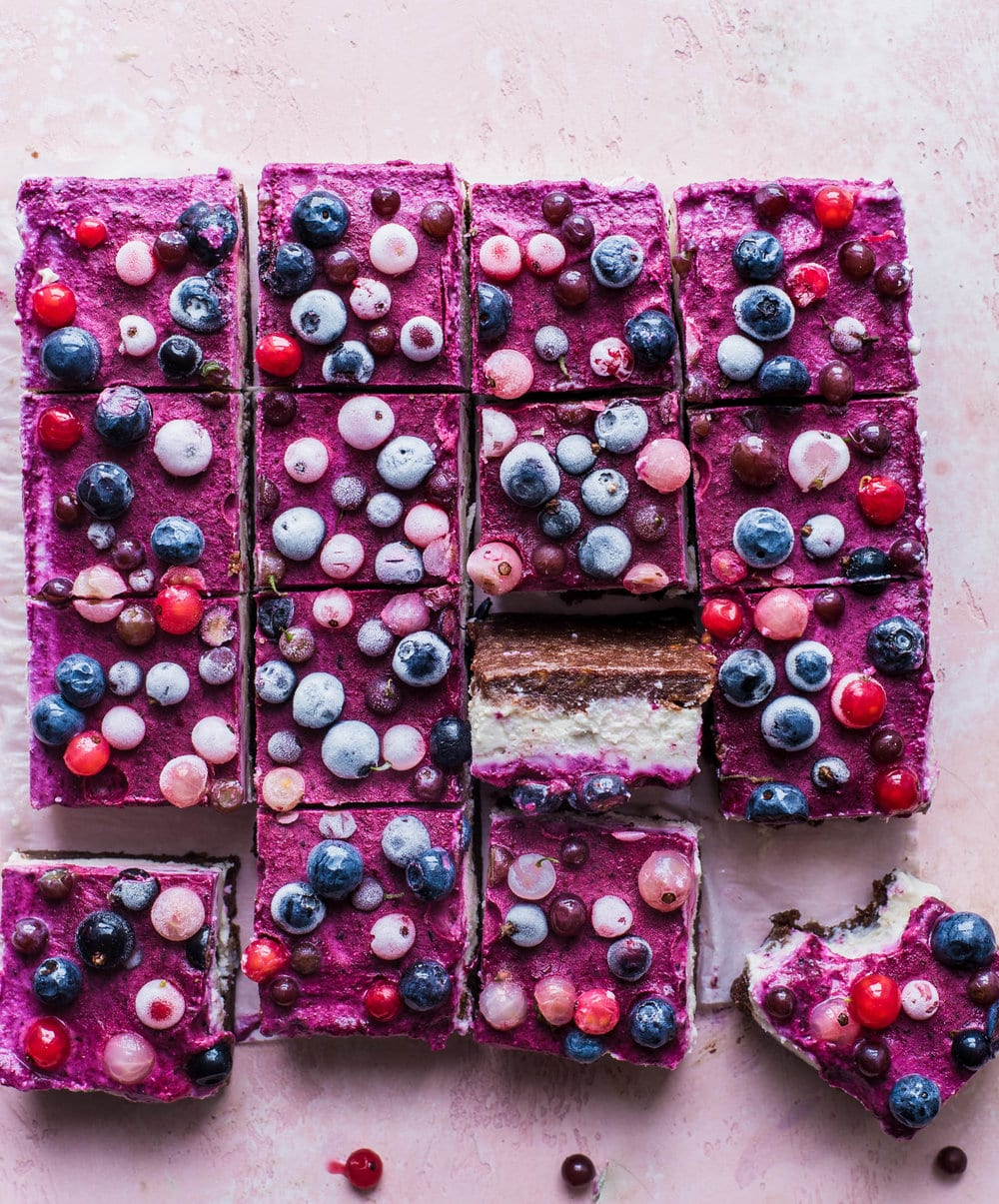 YT what i eat in a day - berry cheesecake bars grid (1 of 1).jpg