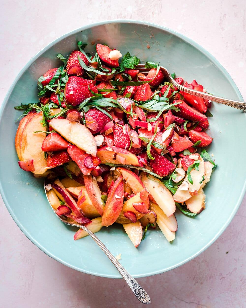 Healthy Strawberry Rhubarb Salad