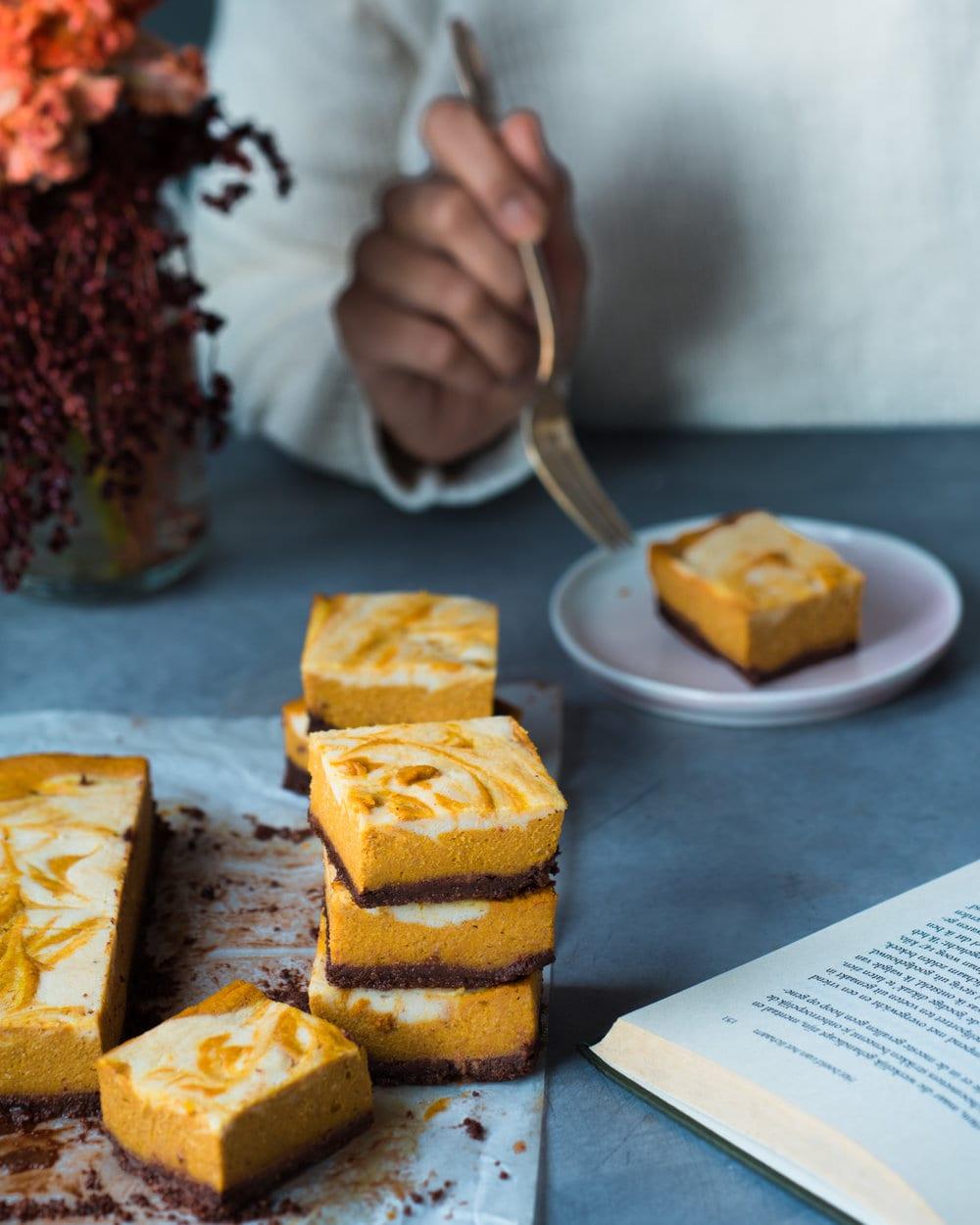 Baked Vegan Pumpkin Cheesecake Bars