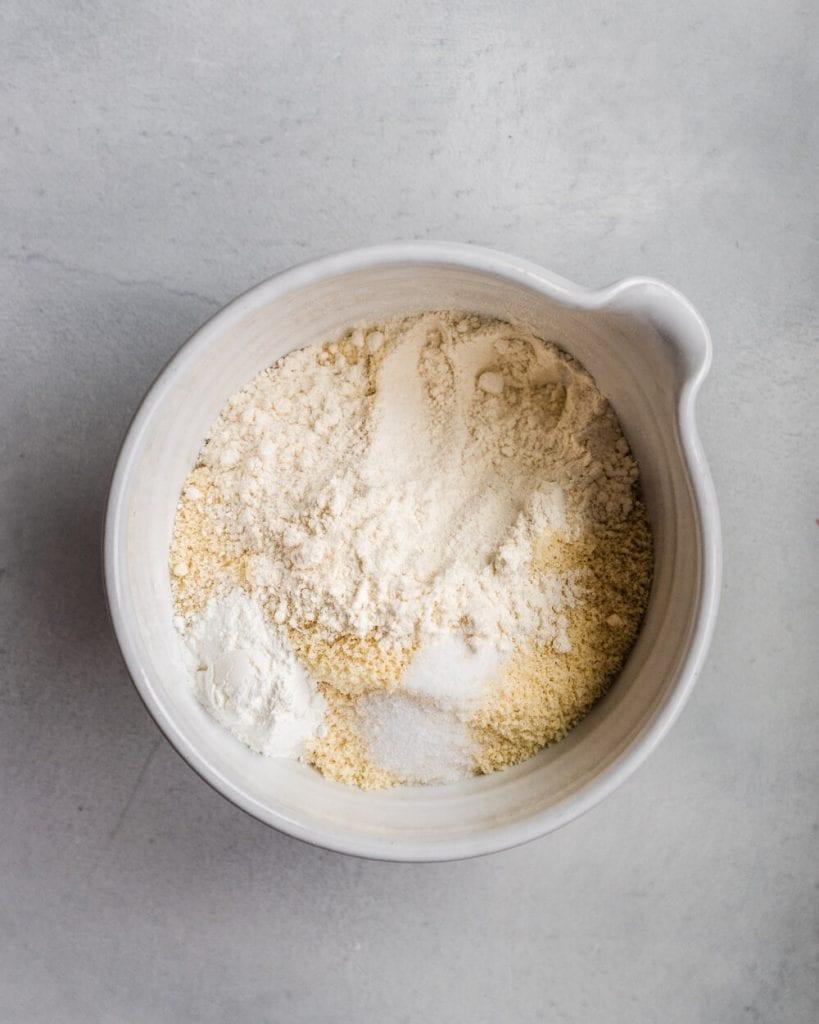 strawberry sheet cake - mix dry ingredients.jpg