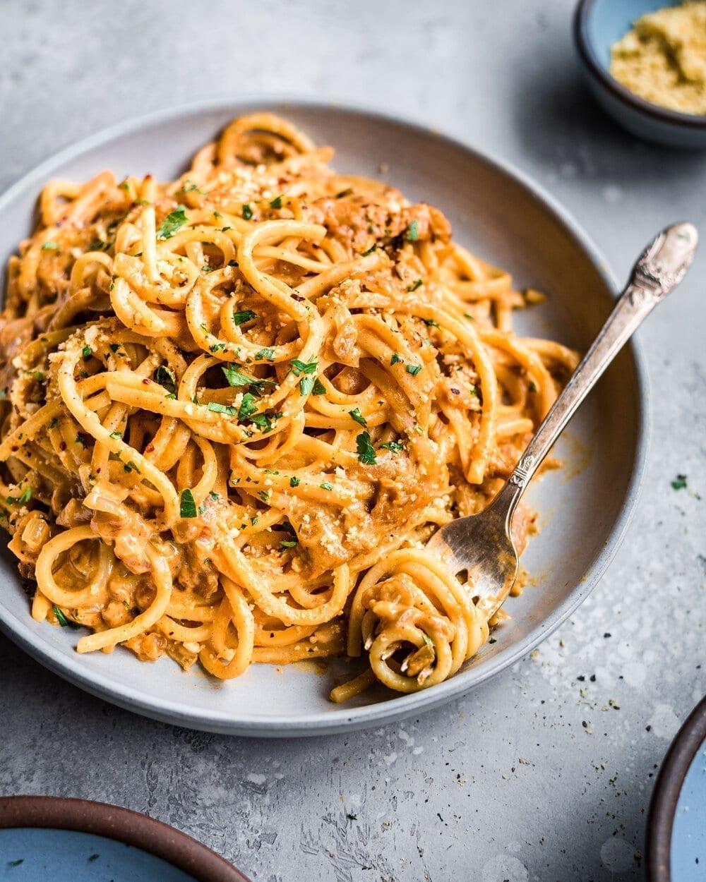 10-Ingredient Creamy Vegan Pantry Pasta. Pasta food photography.