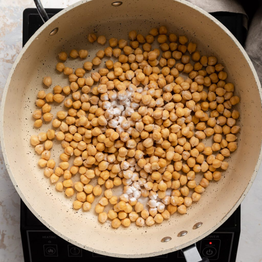 saucepan with dried chickpeas and baking soda (1 of 1)
