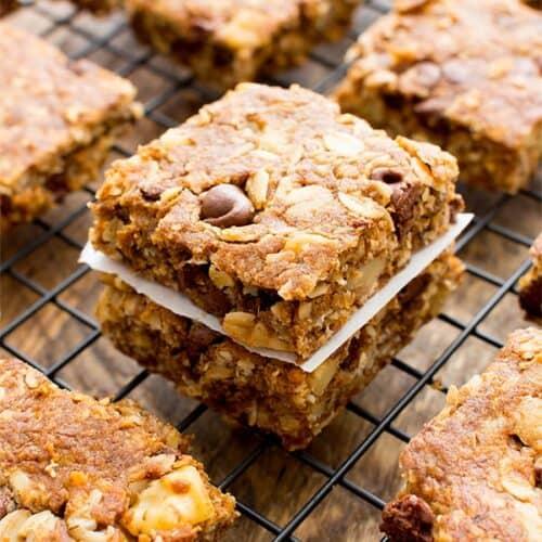 peanut butter chocolate chip breakfast bars